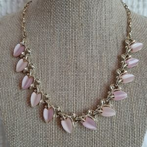 Jewelry - Vintage Pink Gold-Tone Necklace